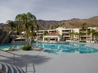 Amazing Resort! 4 Lovely 1BR Units, Pool, Spa
