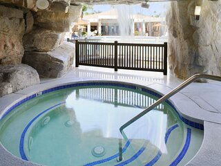Palm Springs Getaway! 1 Amazing 2BR Unit, Pool, Spa