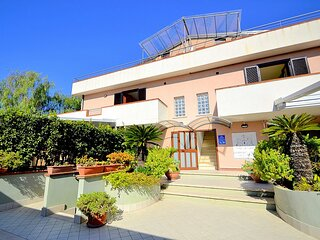 Agropoli Villa Sleeps 2 with Air Con - 5875279