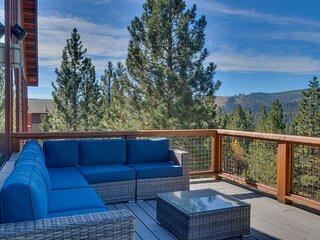 Pinnacle Views at Tahoe Donner
