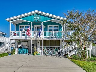 Pet Friendly Beach House, Short Walk To Beach + FREE DAILY ACTIVITIES!