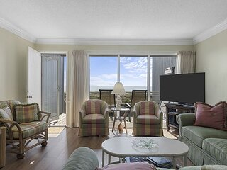 MULTI-LEVEL OCEANFRONT CONDO NEAR FORT MACON STATE PARK