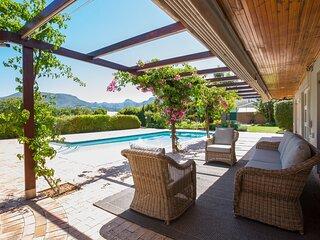 Beautiful 5 bedroom Constantia home