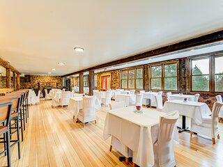 Refurbished Historic Green Mountain Falls Lodge – 9 Bedrooms, 8 bathrooms