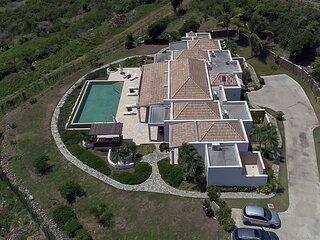 HOPE BELLE VUE... 4BR Luxury Hillside Villa Overlooking Orient Bay