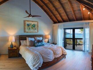 Amazing Beachfront Penthouse on the #1 Beach