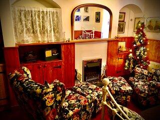 "'Victoria ""Titanic"". Retreat to our 1910 original Titanic workers cottage"