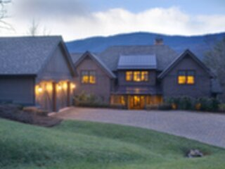 Hawks View Retreat Is a Grand Escape In WNC Foothi