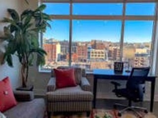 2BR City View Apt w/ Balcony in Downtown GR, holiday rental in Grand Rapids