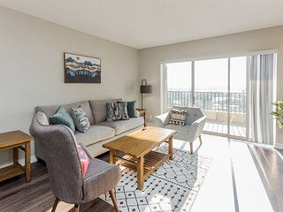1BR Flat with Stunning River Views
