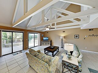 Hideaway at Queens Grant | Deck with Grill | 5 Pools, Walk to Beach & Golf