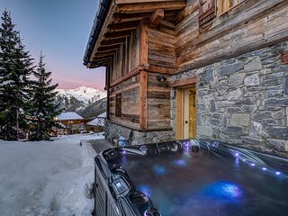 6 Person Ski In/Ski Out Chalet With Hot Tub and Sauna
