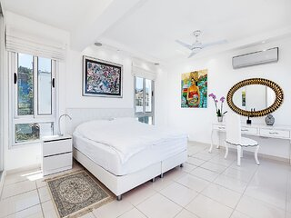 An Executive 3 bedroom villa, Private pool, Ac Wifi in all rooms, internet Tv