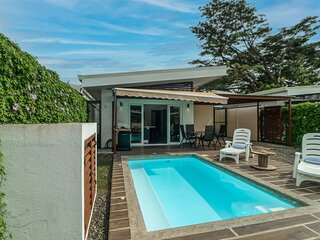 Awesome tropical retreat w/ private pool, patio, & free WiFi close to the beach!