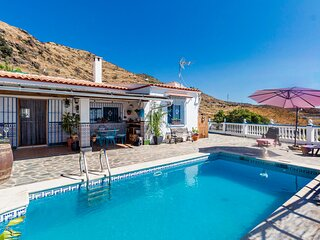 Beautiful home in Almunecar with Outdoor swimming pool, WiFi and 2 Bedrooms (E