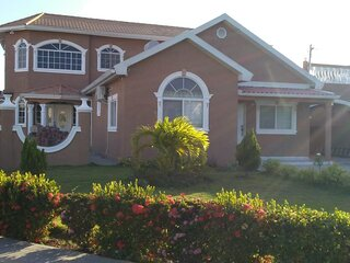 Lovely Caribbean Estate with 24hrs security