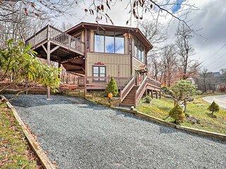 Beech Mountain Resort Home w/ Deck & Hot Tub!