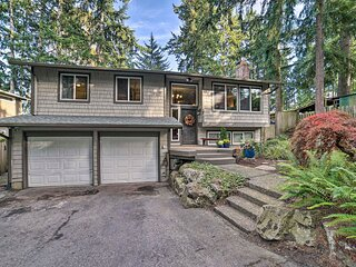 NEW! Family Home w/Hot Tub: 12 Mi to Space Needle!