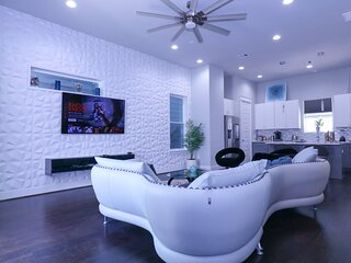 LUXURIOUS 4 Story rooftop townhouse-Med Center/NRG