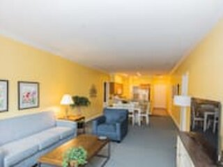 Spinnaker Suite Right by The Strip 2BR Standard, vacation rental in Point Lookout