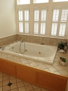 Top Level King Master Tub