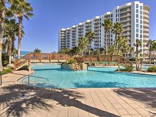 Modern Destin Resort Condo - Walk to Beach!