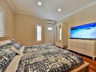 Large 2BD Home w/ AC, Toto, Parking & 4K TVs
