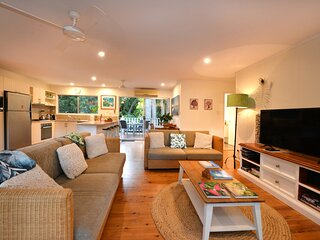 5 Solina Close - 3 Bedroom House by the Beach