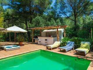 Villa - 3 Bedrooms with Pool and WiFi - 108787