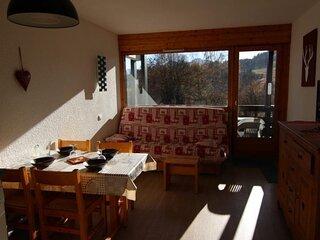 Studio alcove 22 m2, oriente SUD, classe 2**