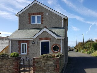 Detached 2 bedroom cottage in the heart of Hope Cove Nr Salcombe