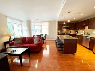 [1686-2ST]  Luxury 2 BR - Residences On The Avenue