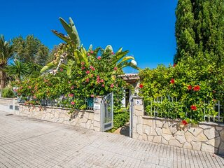 Port d'Alcudia Holiday Home Sleeps 6 with Air Con - 5874344