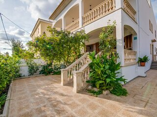 Colonia de Sant Jordi Holiday Home Sleeps 6 with Air Con and WiFi - 5874391