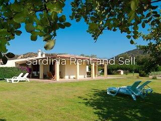 Chia, 6 posti letto, aria condizionata, ampio giardino
