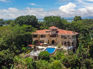 Villa Vigia: 4 Bedrooms, 6 Baths, Privacy, Wildlife, Ocean & National Park Views