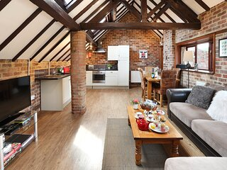 The Cow Pen Cottage, heated pool & hot tub - onsite farm shop & cafe