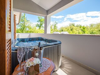 Lussuosa casa vacanza Serena con jacuzzi, 8 persone, sauna, vicino alla spiaggia
