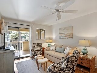 Port Royal Sound 2BR/2BA Overlooking the Pool!