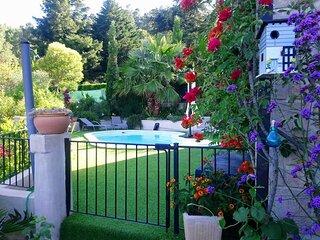 Gite en Cevennes avec piscine privee. 'Les Rigourdiers'