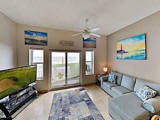 Spacious Home w/ Pool & Beachfront Views - Walk to Galveston Beach!