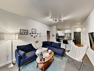 Fantastic Belltown Condo | Pool, Spa & Gym | Rooftop Deck & Private Balcony