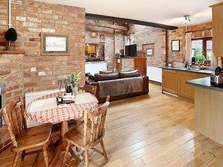 The Hayloft Cottage, heated pool & hot tub - onsite farm shop & cafe