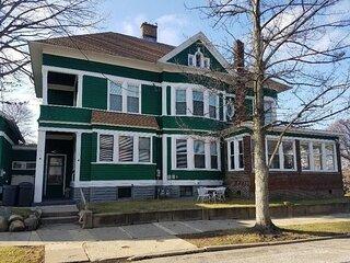 5 Star Victorian Mansion Downtown Erie