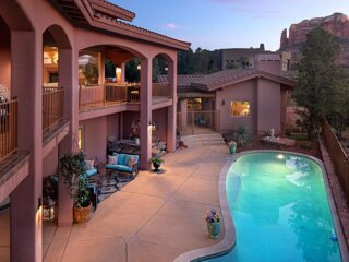 Luxury Sedona Estate - POOL, MOVIE THEATER, GYM!