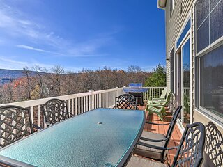 NEW! Slopeside Townhome: WFH, Ski, Dine & Hike!