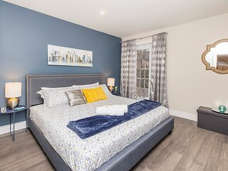 PRIME Walk Location - 2BR with King Bed - Byward Market!