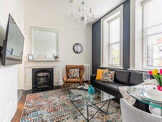 Upscale 1BR - Boutique Apartment - PRIME Location Downtown!