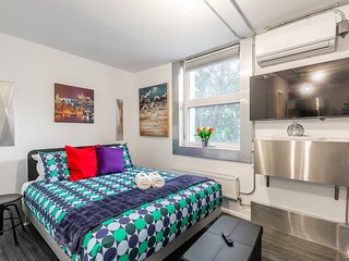 BRAND NEW - Upscale Studio with Balcony - Byward Market!