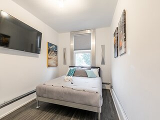 PRIME Downtown - Luxury 2BR in the Byward Market!
